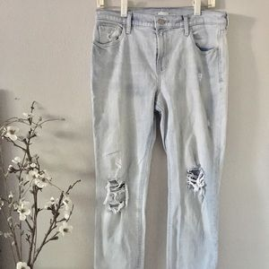 Old Navy • Boyfriend Jean • Distressed • Size 8